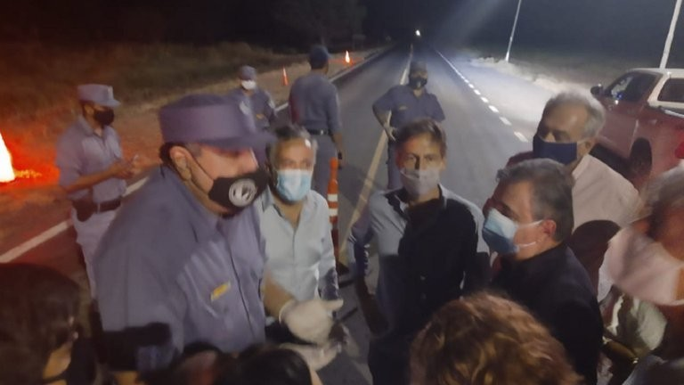 Policías formoseños intentaron impedir a diputados de la oposición llegar a Clorinda