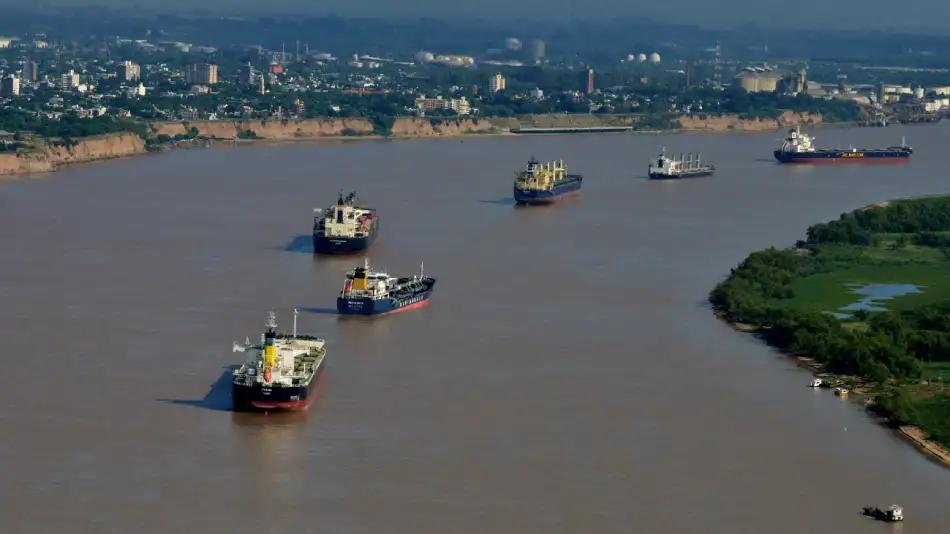 La bajante del río Paraná complica el transporte de granos