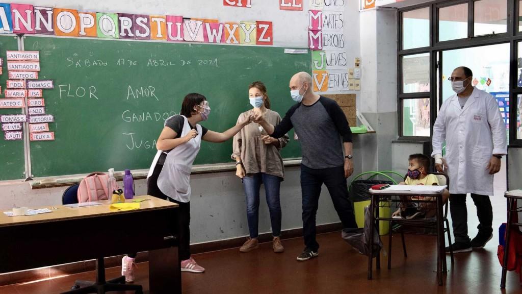 Alumnos porteños de jardín de infantes y de primaria retoman las clases presenciales el lunes