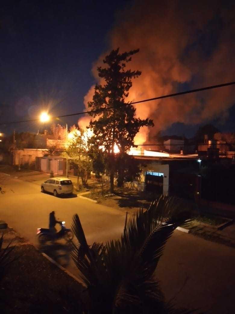 Se incendió la vivienda de Hugo Blotta, director de la Sala 88
