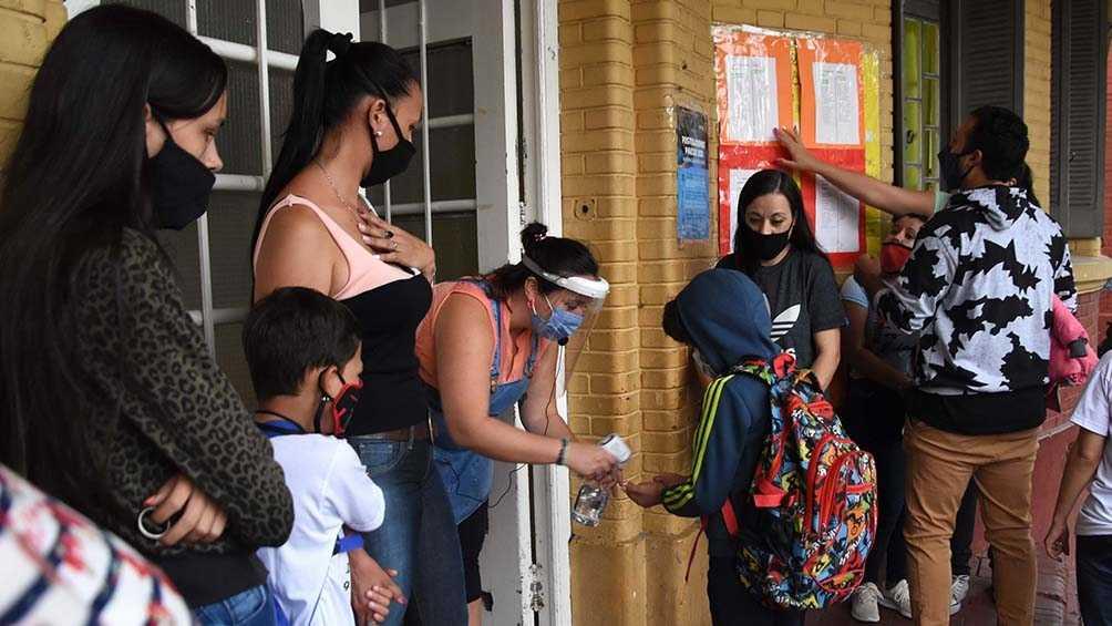 Córdoba: Suspenden las clases presenciales durante dos semanas por el aumento de contagios