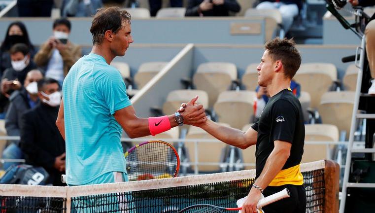 Diego Schwartzman perdió el primer set ante Rafael Nadal en los cuartos de final de Roland Garros