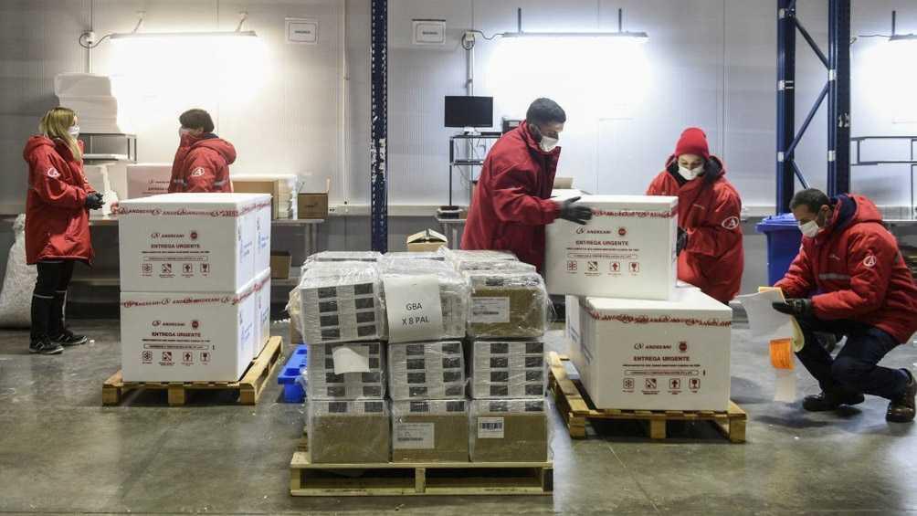 El lunes llegan más de 930 mil vacunas AstraZeneca producidas con México