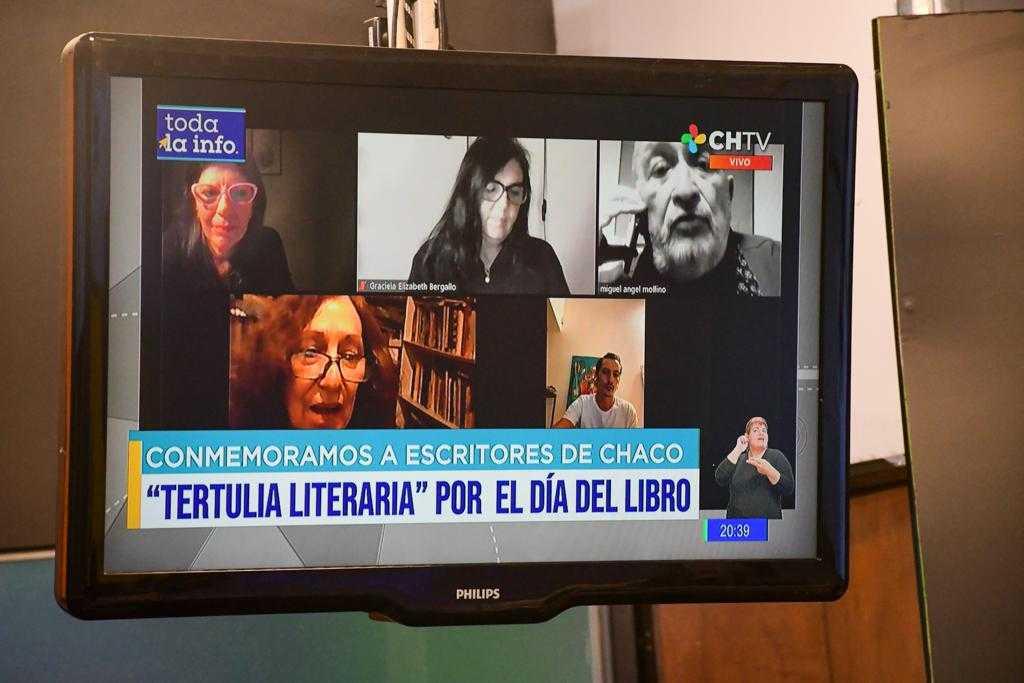 Día del Libro: Escritores celebran su día con una ronda de lectura
