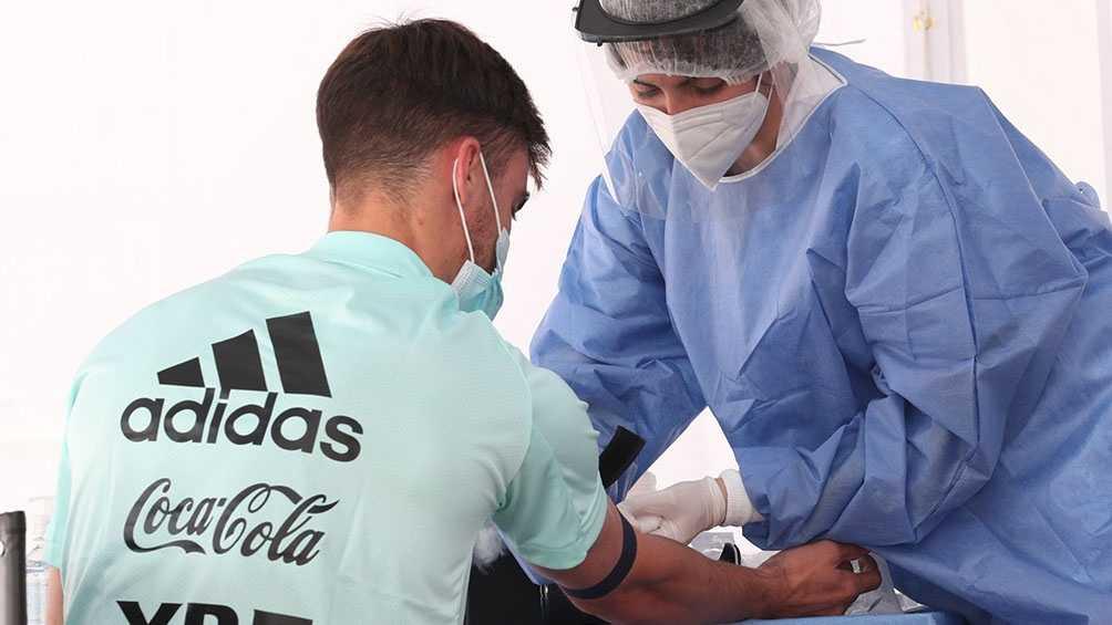 Coronavirus: el plantel argentino arrojó testeos negativos en la previa al partido