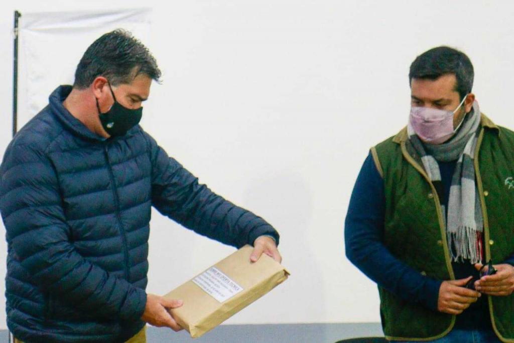 El Gobernador, Jorge Capitanich abrió los sobres para la construcción de viviendas en Resistencia