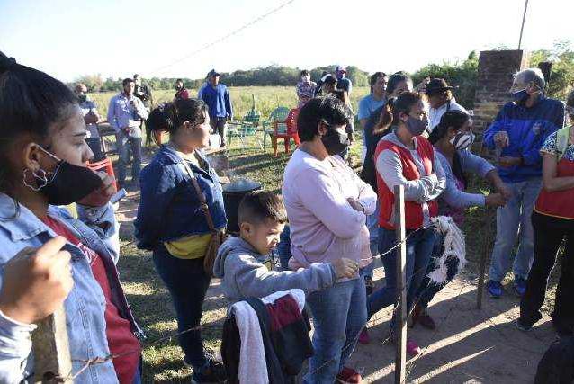 Familias campesinas piden una ley de expropiación y suman apoyo de distintas organizaciones