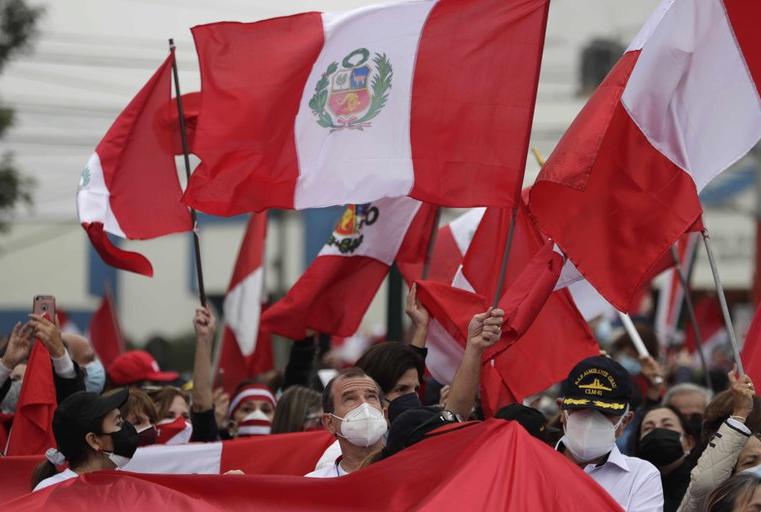 Ballotage en Perú: el jurado electoral comenzó la revisión de los votos impugnados y ya rechazó 10 apelaciones