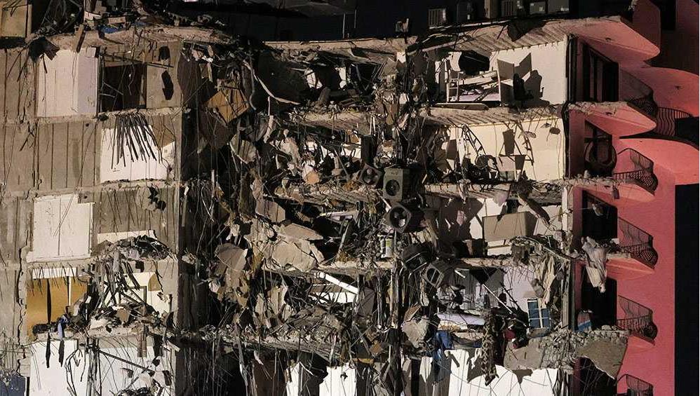 Hay cuatro argentinos desparecidos por el derrumbe de un edificio en Miami