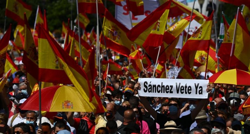 Miles de personas protestaron en Madrid contra los indultos a los separatistas catalanes