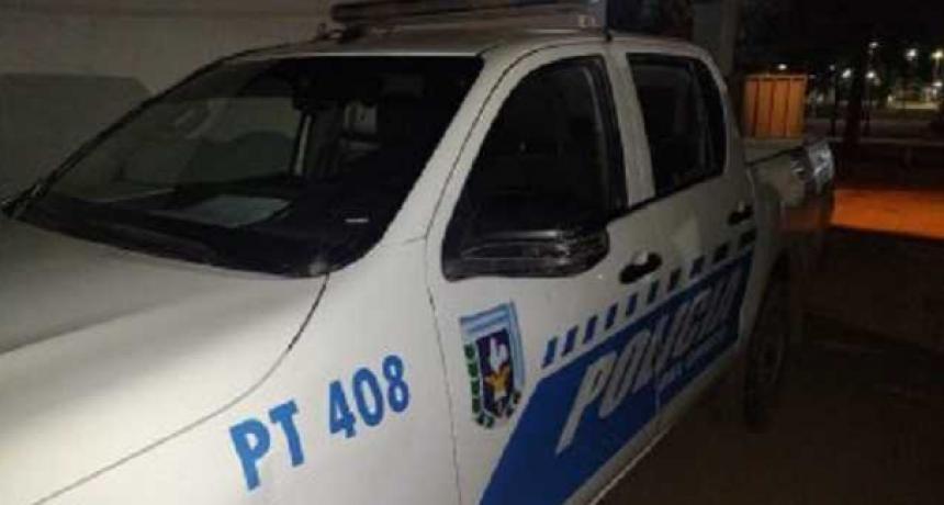 Atacaron a un patrullero y a una ambulancia en el barrio Los Silos
