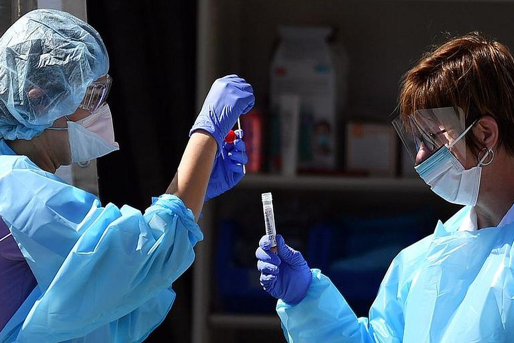 Abonan la primera cuota del bono para 725 mil trabajadores de la salud de todo el país