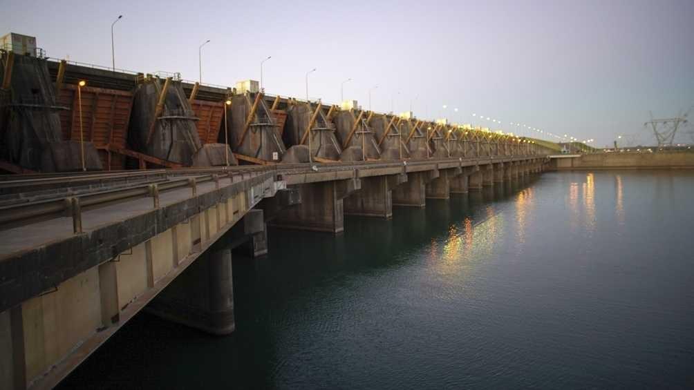 Yacyretá entrega el 50% de la energía total que podría aportar al sistema por la bajante del Paraná
