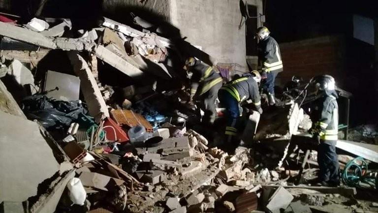 Trágico derrumbe en una casa de Lomas de Zamora: murieron dos mujeres