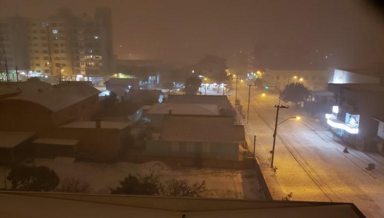 Nevada histórica con temperaturas bajo cero en Brasil