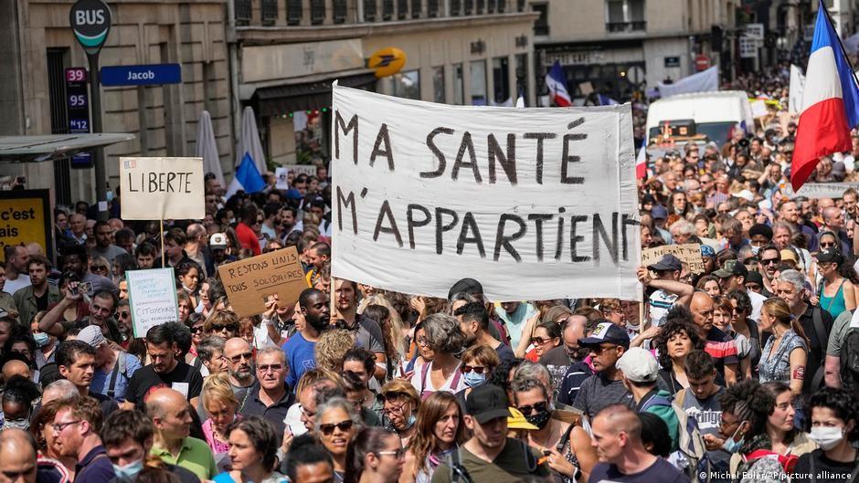Francia se prepara para nuevas protestas este fin de semana contra el certificado COVID