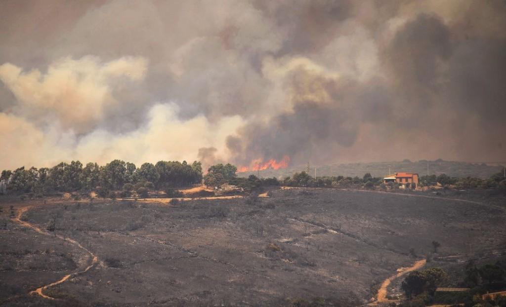 Italia declara una movilización de emergencia hacia Sicilia por los incendios