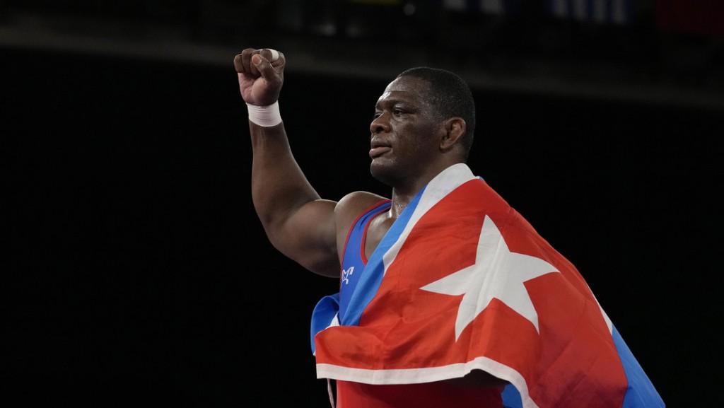 El cubano Mijaín López se convierte en el único luchador en ganar cuatro títulos olímpicos
