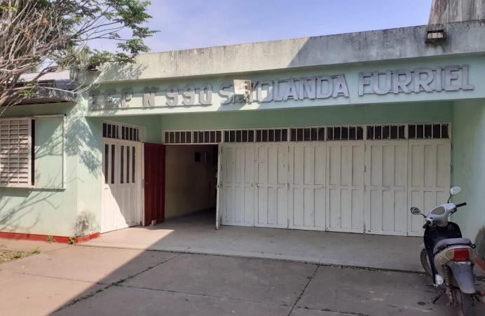 Padres de alumnos de la Escuela N°990 reclamaron mejoras para el edificio