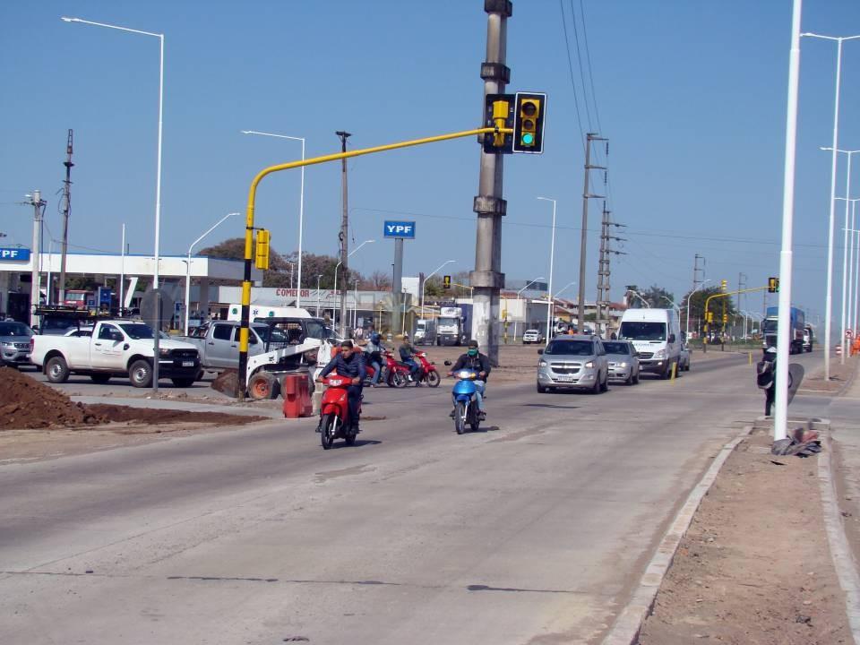 Crecen las quejas por dificultades para transitar por la rotonda de Alvear y ruta 11