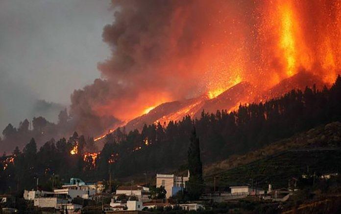 Entró en erupción un volcán en Islas Canarias