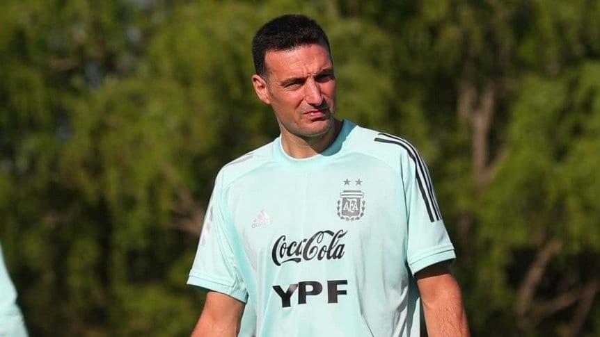 Scaloni y la formación de la Selección Argentina ante Paraguay