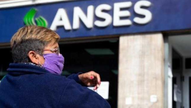 Cobran hoy los jubilados y pensionados con ingresos hasta $ 29.135 y DNI terminado en 4