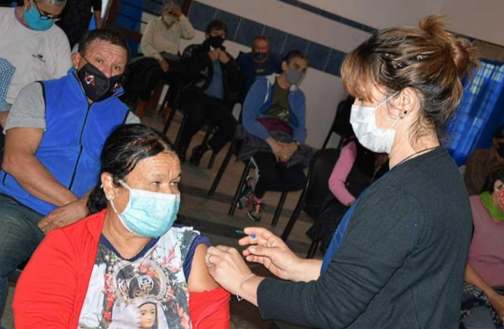 Este domingo, sólo habrá posta de vacunación en la Feria Iberoamericana del Libro